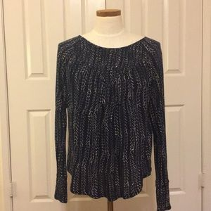 Lucky Brand dark blue & white top w rouched neck.